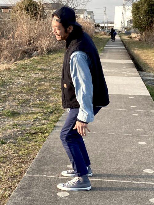 カーハートダックベストxスケートスタイル