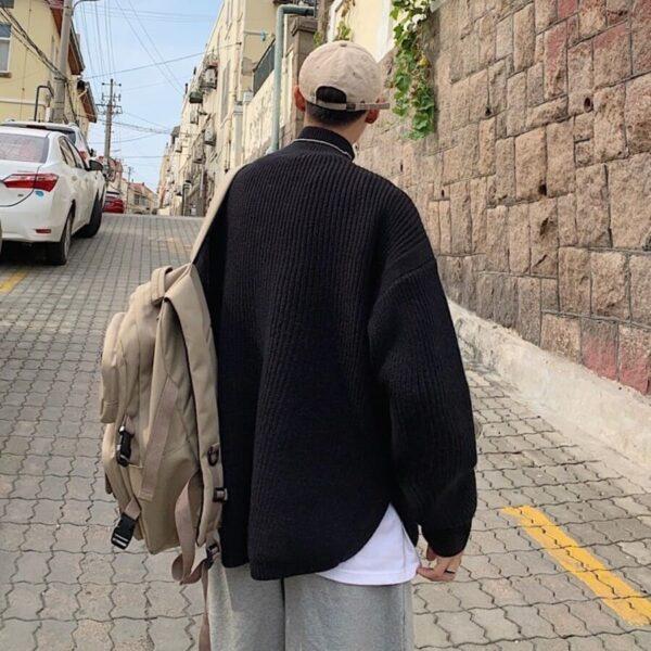 韓国お洒落ハイネックを後ろから見た画像