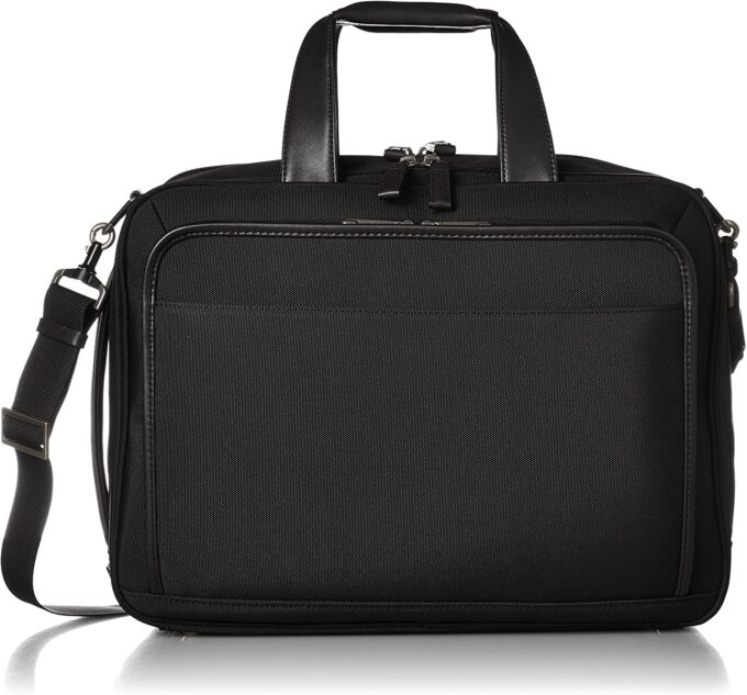 おじさんバッグとは言わせない、かっこいいACEのビジネスバッグ